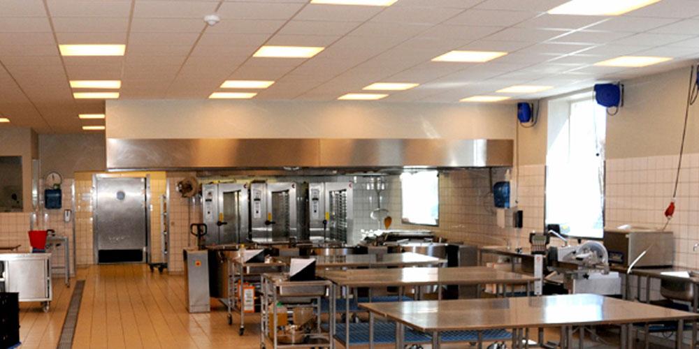 Lyngby Totalentreprise opsætter og installere industrikøkken