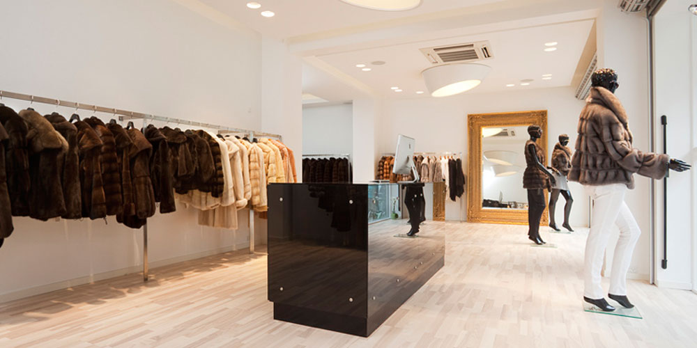 Lyngby Totalentreprise Aps er en entreprenør virksomhed der beskæftiger sig med alt inden for bygge og renoveringsopgaver for private, erhvervs, ejerforeninger, og boligejendomme